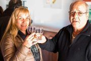 Probando vino Torrontés