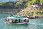 lancha dique salta 180x120 - Paseo por las Islas